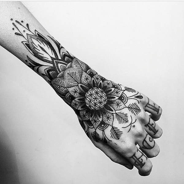 hand tattoo ideas (32)