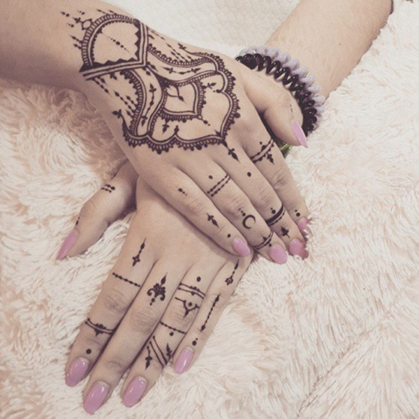 hand tattoo ideas (51)