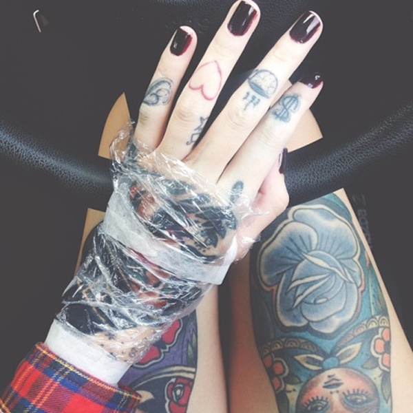 hand tattoo ideas (79)