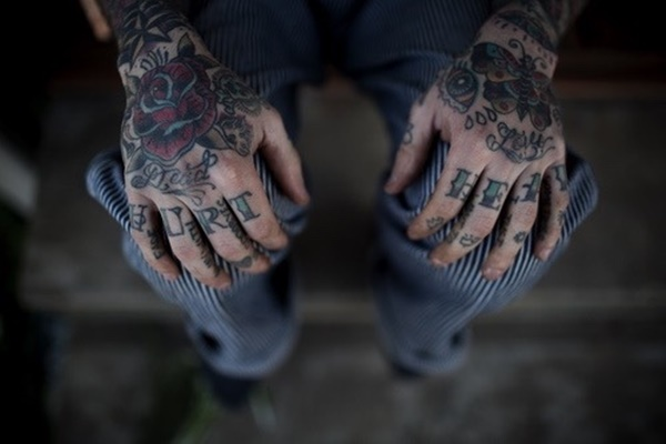 hand tattoo ideas (94)