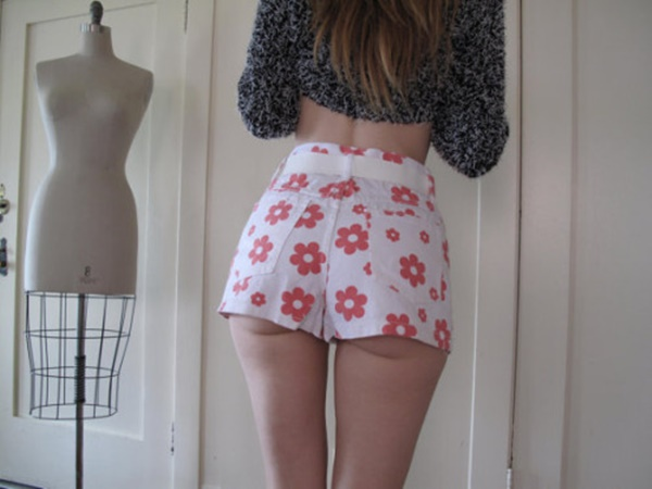 girls in hot pants (84)