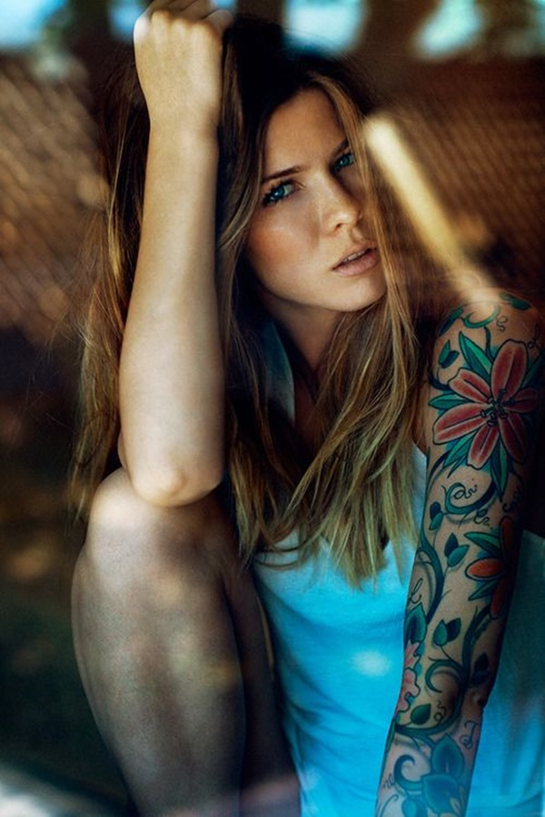 hot women with tattoos (31)