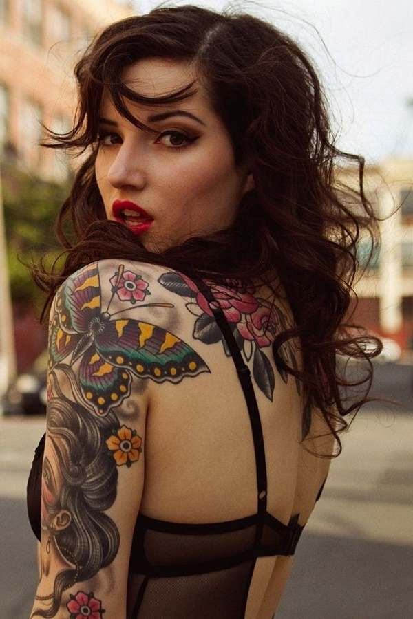 hot women with tattoos (32)