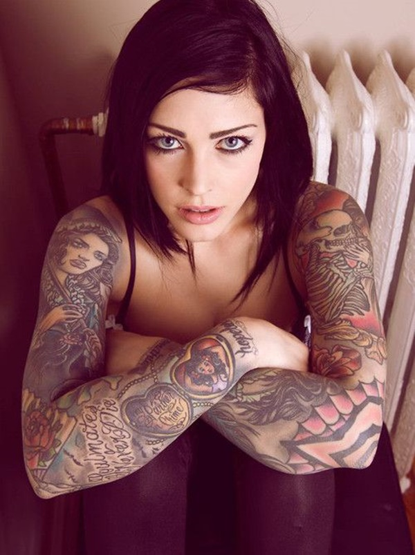 hot women with tattoos (41)