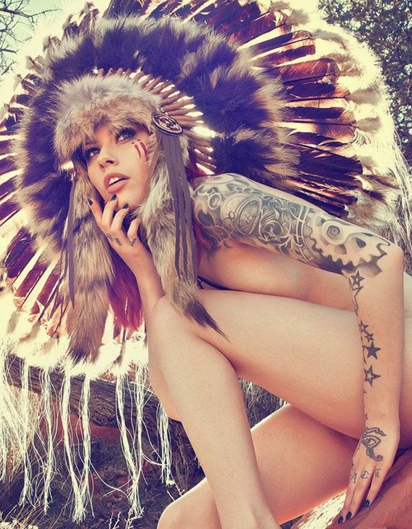 hot women with tattoos (5)