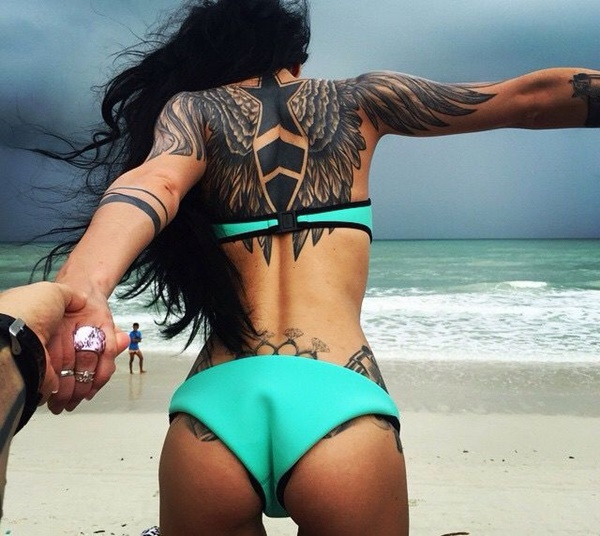 hot women with tattoos (59)