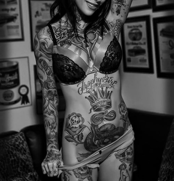 hot women with tattoos (83)