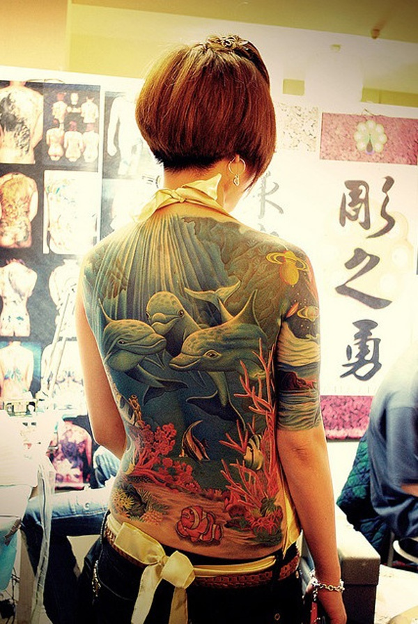 ladies back tattoos (63)
